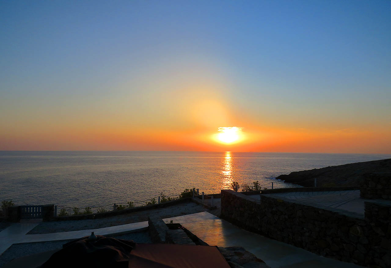 The sunset at Cape Suites in Kythnos is a unique experience